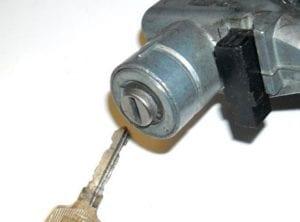 Eddie and Suns locksmith Install New Ignition