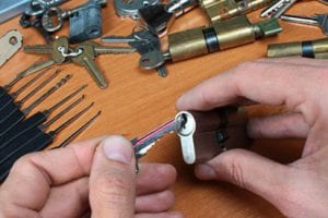 Eddie and Suns locksmith Locksmith in Midtown West